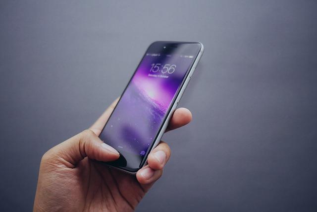 Mobilný telefón a hrozby On-Line prostredia