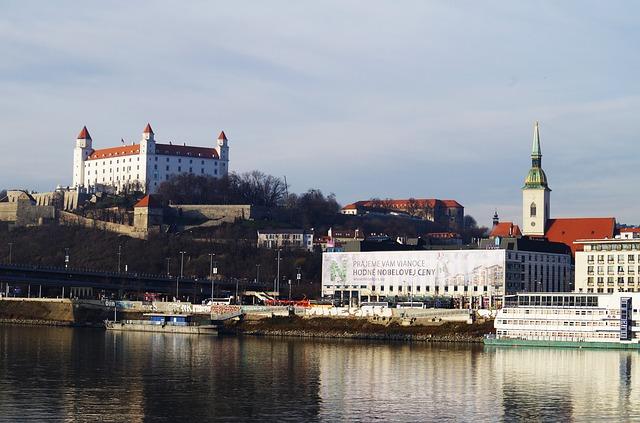 Bratislavský zámek nad Dunají