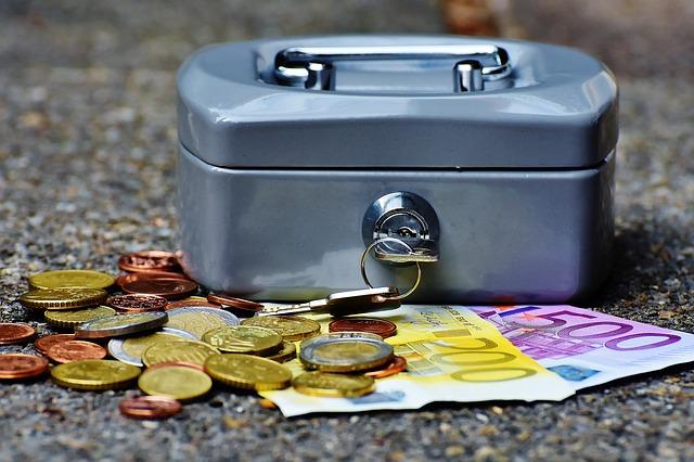 Prečo a ako si chrániť peniaze?