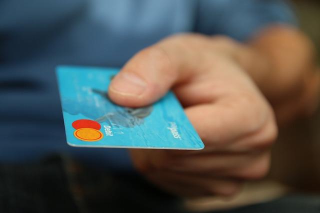 platební karty.jpg