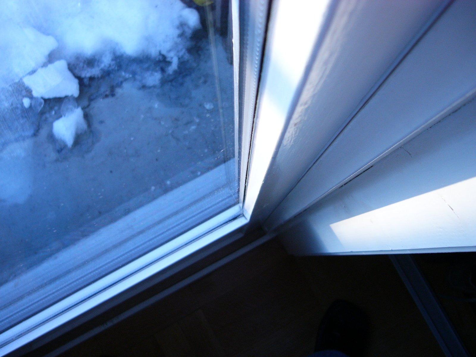 okno, sneh