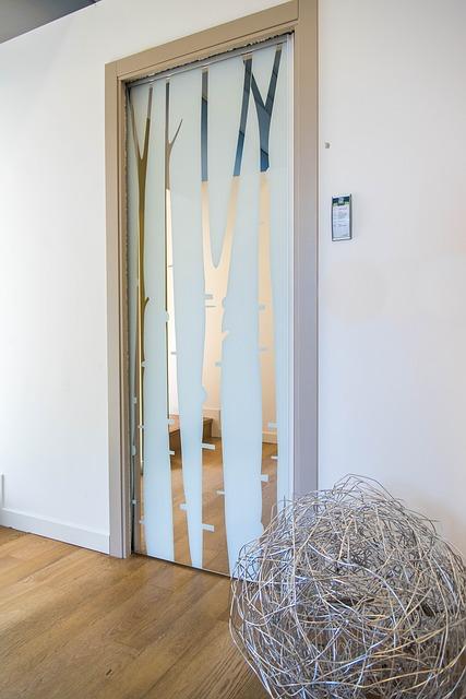 Sklenené posuvné dvere vhodné do každej miestnosti